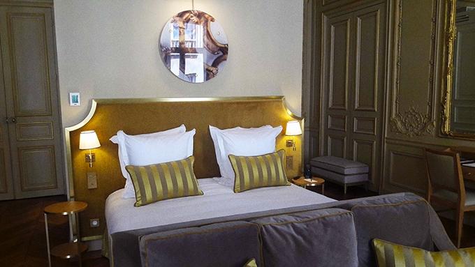 image lit suite dorée hôtel alfred sommier paris madeleine