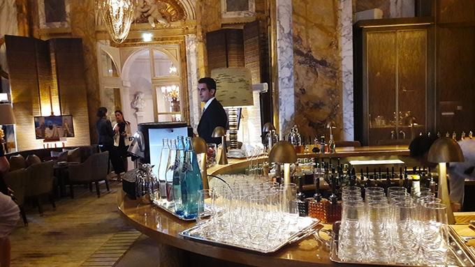 image bar les ambassadeurs hôtel de crillon paris