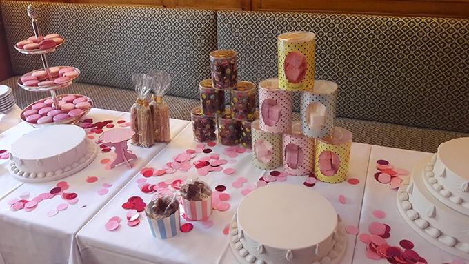 image table macarons rentrée guimauves meringues chocolats ladurée paris
