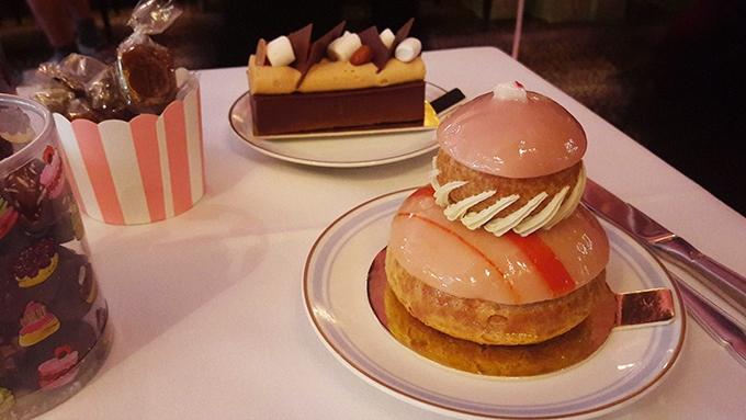 image craquant chocolat-caramel religieuse bonbon ladurée paris royale