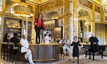 image gros plan photo emanuele scorcelletti les folles rencontres de l'hôtel de crillon henri salvador mick jagger charles aznavour édith piaf bar les ambassadeurs
