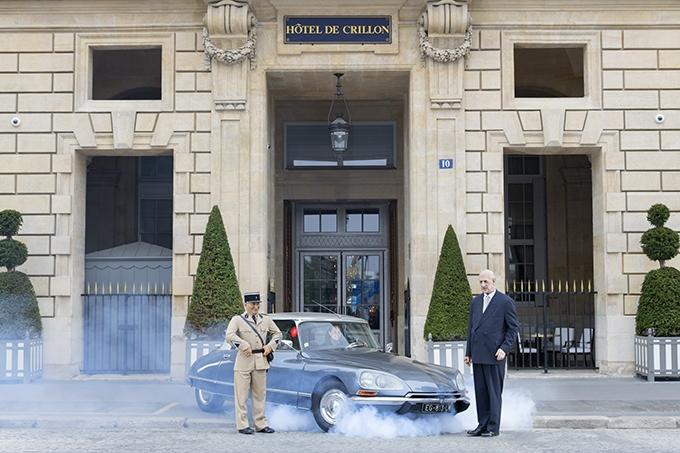 image série photo les folles rencontres de l'hôtel de crillon modèles de cire grévin louis de funès général de gaulle