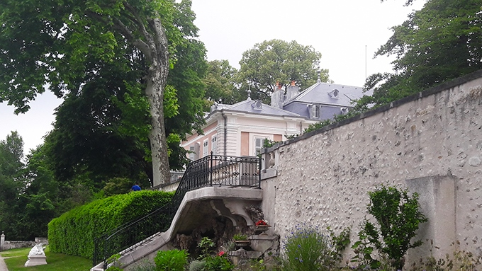 image escalier jardins château de ferney-voltaire