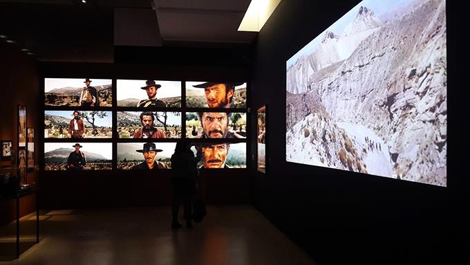 image salle western écrans exposition sergio leone cinémathèque française
