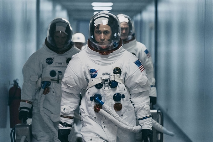image ryan gosling neil armstrong astronaute first man film damien chazelle