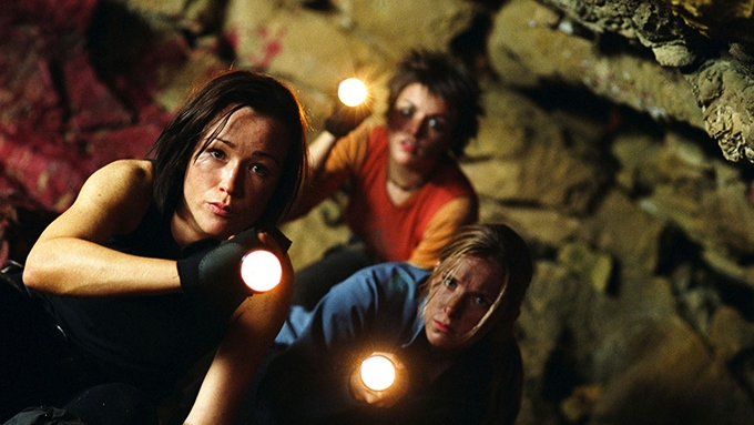 image actrices grotte lampes the descent neil marshall
