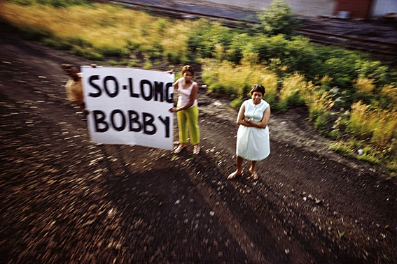 image so long bobby kennedy the train june 8 1968 paul fusco