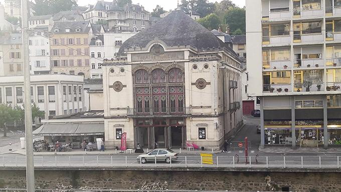 image façade théâtre de tulle