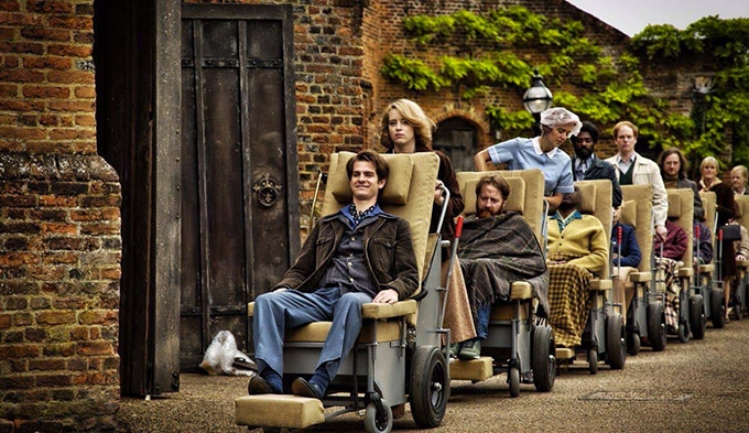 image andrew garfield fauteuil roulant claire foy breathe film andy serkis