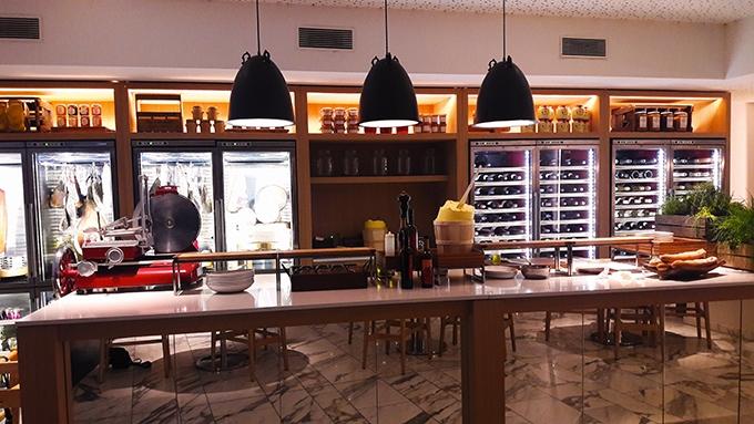 image comptoir restaurant mayo hôtel hyatt regency paris étoile