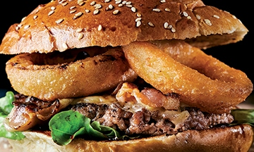 image gros plan burger avec calamars frits hd diner