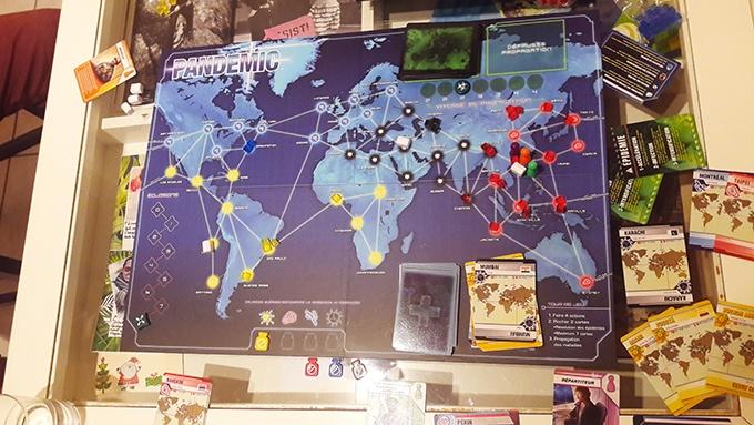 image plateau de jeu pandemic asmodee