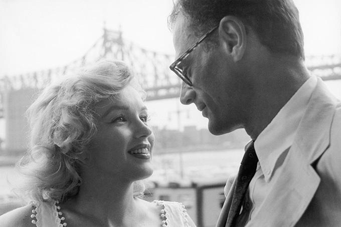 image marilyn monroe et arthur miller à new york photographiés par Sam Shaw