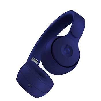 casque beats solo pro avec écouteurs vus du dessous