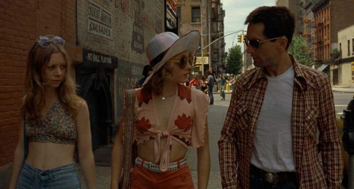 "Iris (Jodie Foster) et Travis Bickle (Robert deNiro) dans ""Taxi Driver"" de Martin Scorsese (1976)"