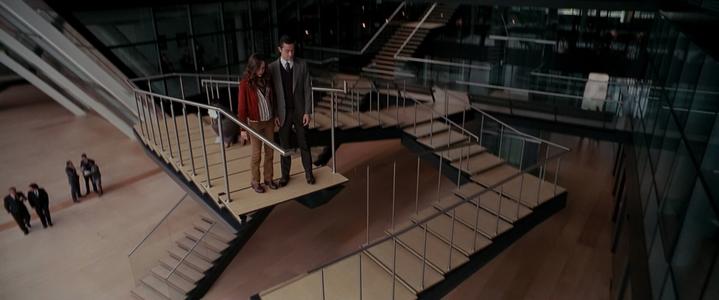 Révélation de l'effet de perspective de l'escalier de Penrose dans Inception.