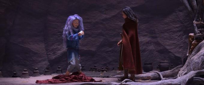 raya et sisu sous forme de jeune fille dans le film de disney