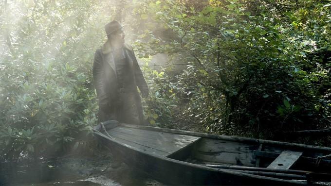 lin-manuel miranda dans le rôle de l'aventurier lee scoresby dans his dark materials saison 2